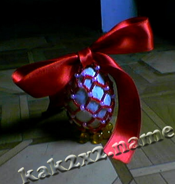 Оформляем бисером пасхальное яйцо