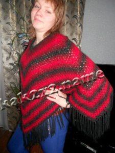 Женское пончо «Красное – черное»